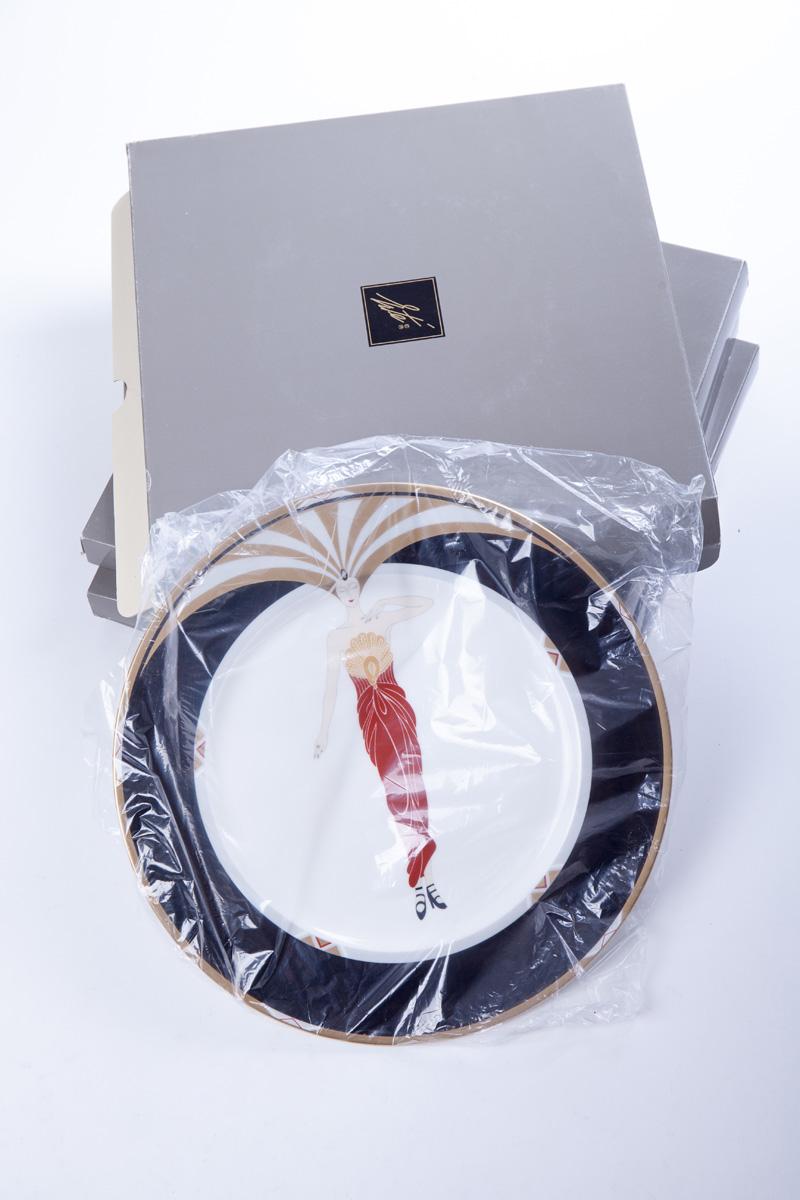 """Тарелка Erté """"Le soleil ebony"""" в оригинальной упаковке, 30.5 см"""