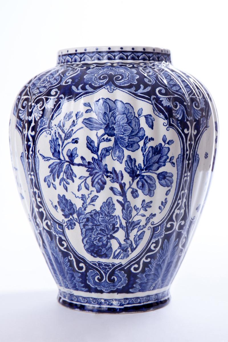 Голландская фарфоровая ваза DELFTS, 24.5 см