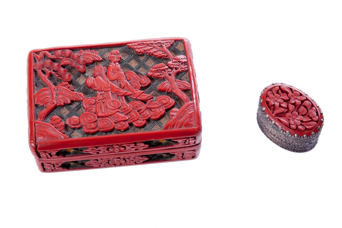 Красная резная шкатулка и миниатюрное зеркальце CINNABAR