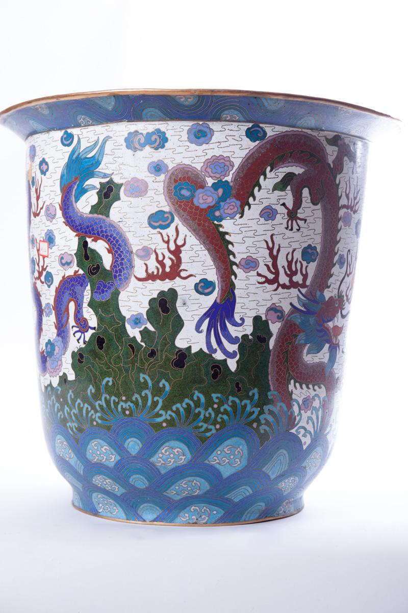 Большой напольный сосуд с изображением морских драконов, 39.5 см
