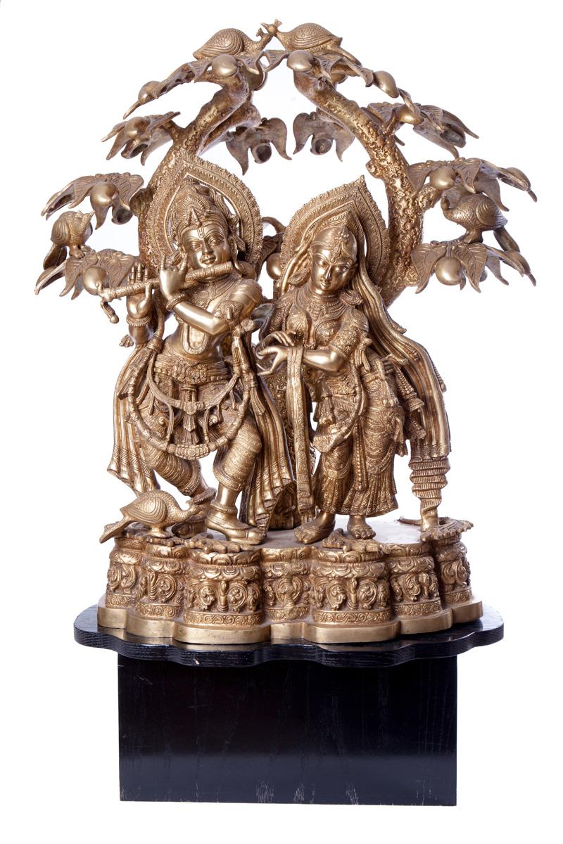 Большая сюжетная статуя RADHA KRISHNA UNDER THE KADAMBA, 76 см