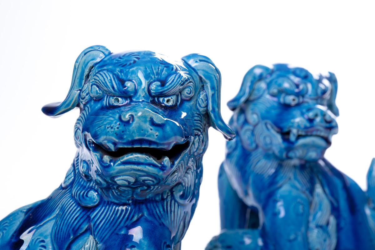 Пара японских собак-львов KOMAINU с пылающими хвостами, 23 см