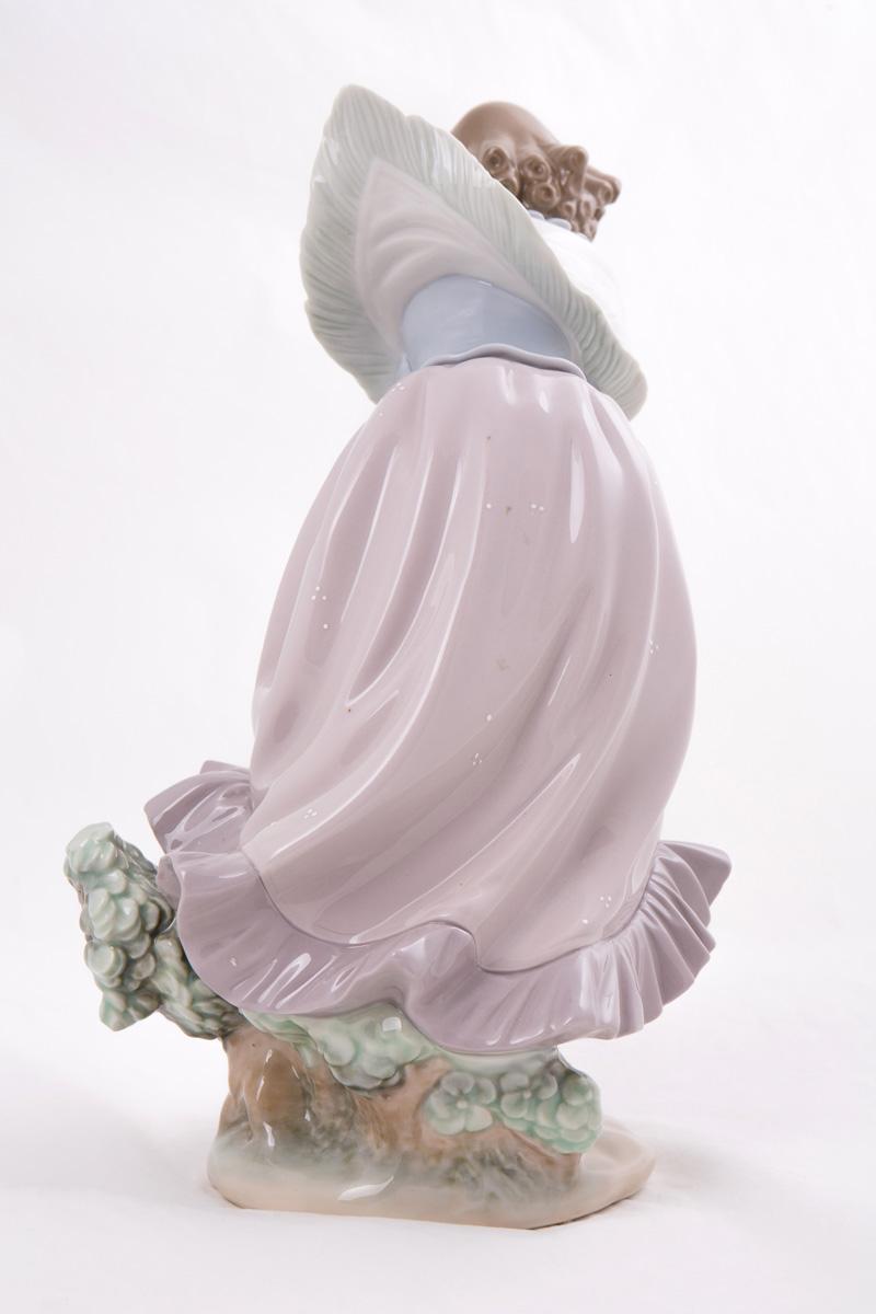 """Статуэтка Lladro """"Весенний ветер"""", 30.5 см"""