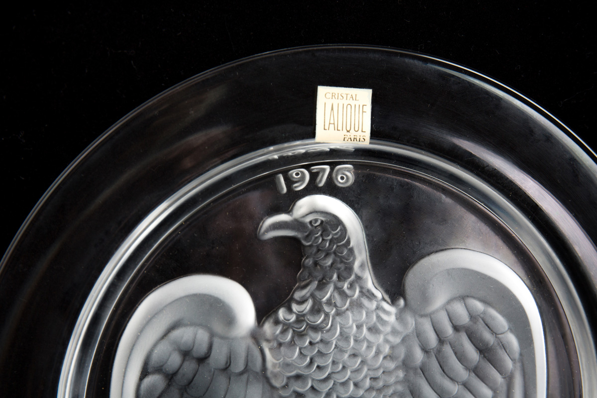 """Коллекционная хрустальная тарелка Lalique """"1976 год"""", 21.5 см"""