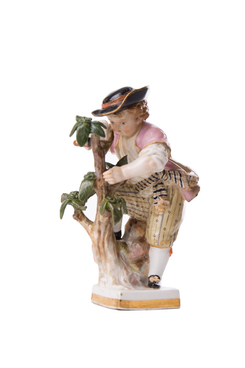 "Статуэтка MEISSEN ""Юноша возле дерева"", 10 см"