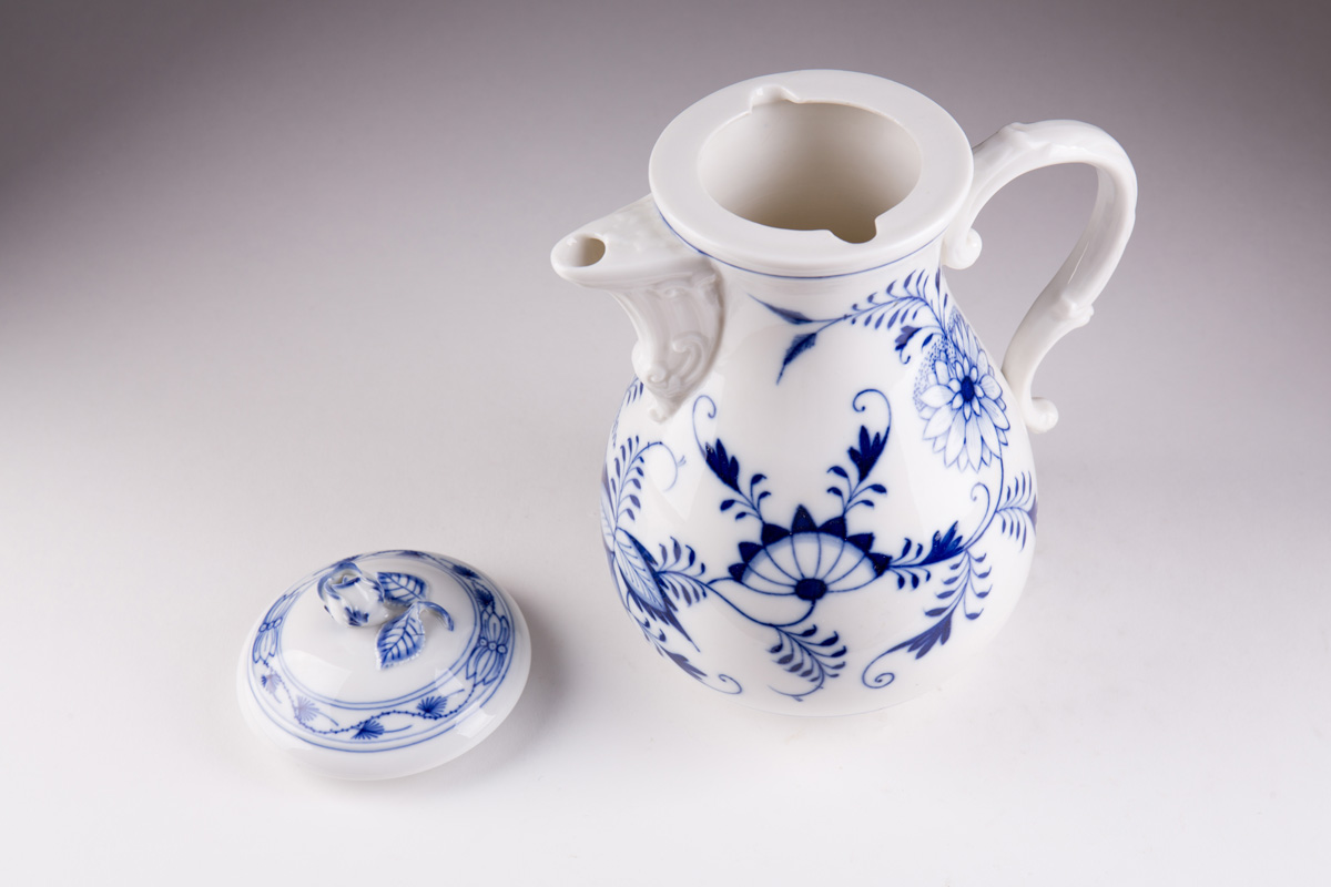"""Чайный фарфоровый сервиз MEISSEN """"Zwiebelmuster"""" на 6 персон, 21 предмет"""