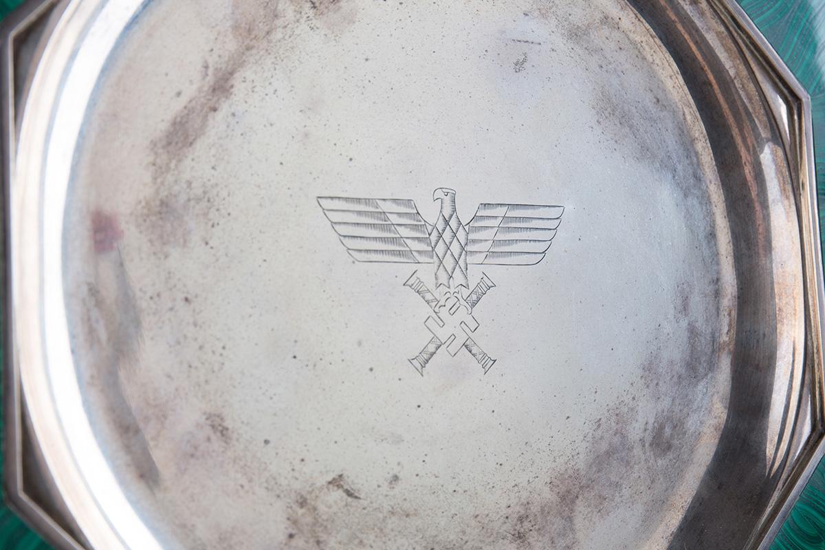 Блюдо со свастикой времён II Мировой войны, 29.5 см