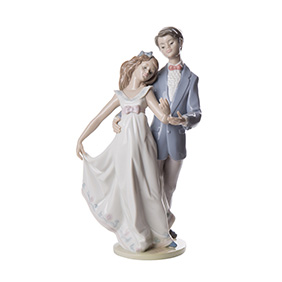 "Фарфоровая статуэтка LLADRO ""NOW & FOREVER"", 27.5 см"