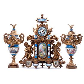 Комплект позолоченных часов и пара ваз в стиле рококо, 55 см