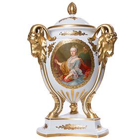 Эффектная ваза ROSENTHAL с портретом знатной дамы, 51.5 см