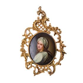 Портрет дамы на фарфоре в деревянной раме, 18 см