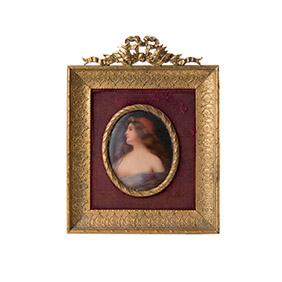 Миниатюрный портрет светской дамы на фарфоре, 11.5 см