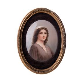 Портрет дамы на фарфоре, 19.5 см