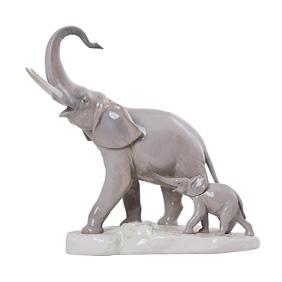 """Фарфоровая композиция Lladro """"Семья слонов"""", 30 см"""