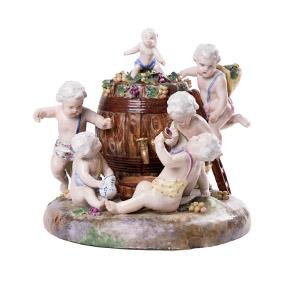 Сюжетная статуэтка-шкатулка с бочкой для вина и маленьких Путти, 24 см