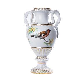 Ваза Meissen с изображением птицы и ручками в виде змей, 27.5 см