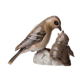 """Статуэтка Bing & Grondahl """"Воробка кормит птенца"""", 11 см"""