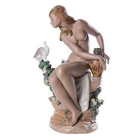 "Скульптура Lladro ""NUDE WITH DOVE"", 43 см"